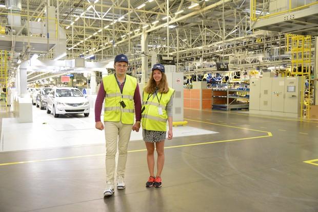 Покупатель 500 000-го автомобиля Solaris побывал на заводе Hyundai в Санкт-Петербурге